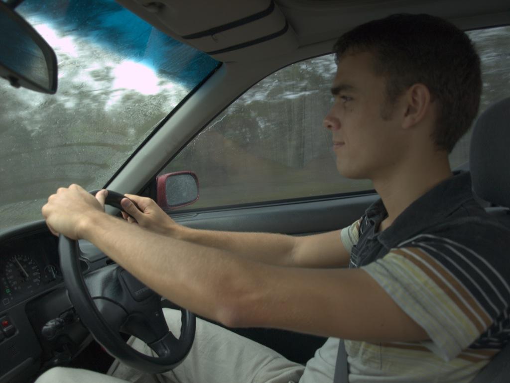 Anders kører bil; vores Sydneytur.