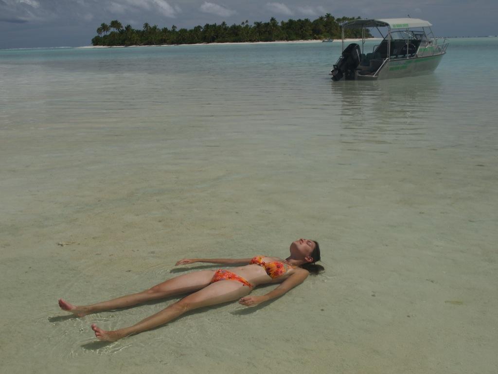 Ahhh afslapning i meget varmt og roligt vand.