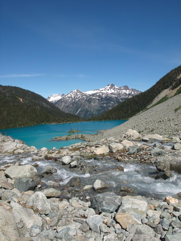 Udsigt fra toppen over Upper Joffre Lake.