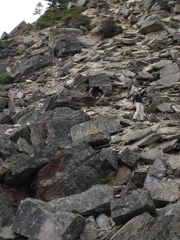 Her er vi på vej ned igen; ikke lige den mest velholdte vandretur.