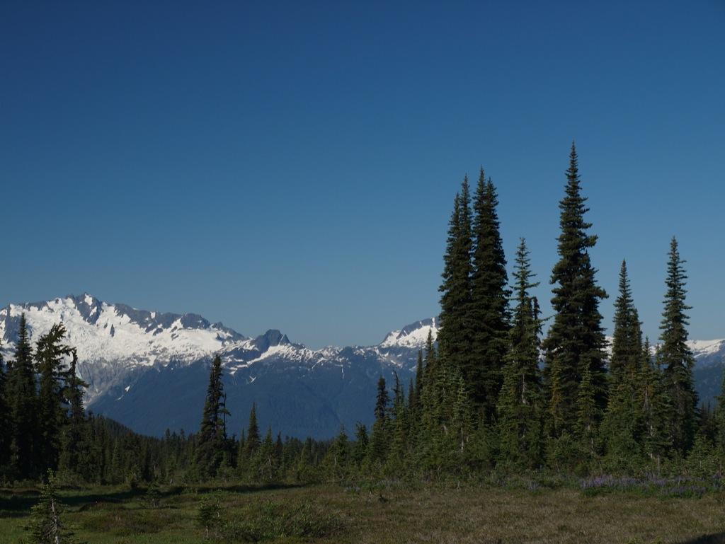 Så er vi godt i gang med vores 22 kms vandretur højere op i bjergene.