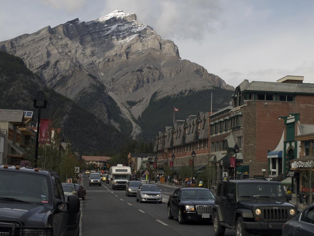 Byen Banff, nu uden sne.