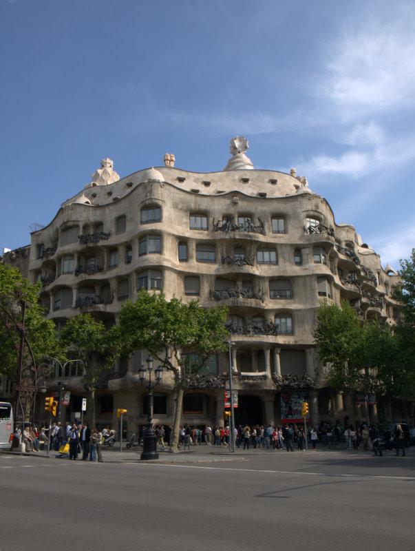 Casa Mila eller La Pedrera.