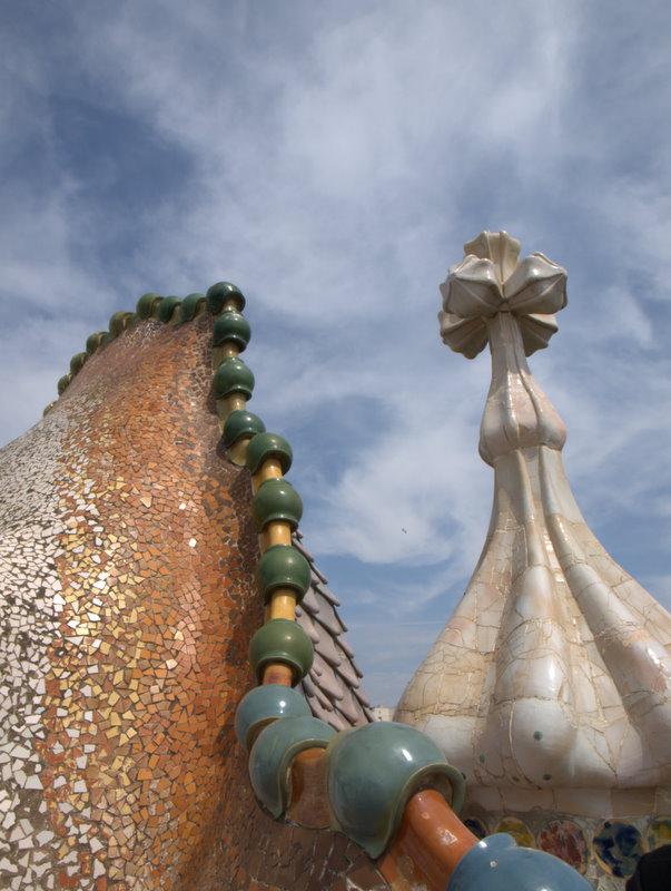 Mere fra taget af Casa Batlló.