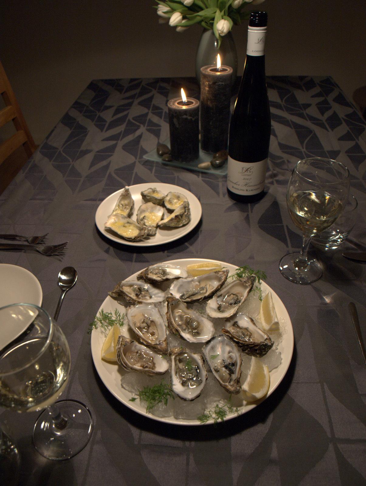 Østers au naturel, østers med citron, østers med rødløg og hvidvinseddike samt gratinerede østers.