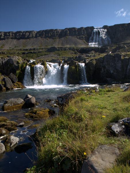 Dyjandi-vandfaldet, som består af 7 mindre vandfald