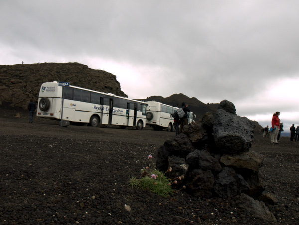 Terrængående busser - her er vi ved vulkanen Hekla.