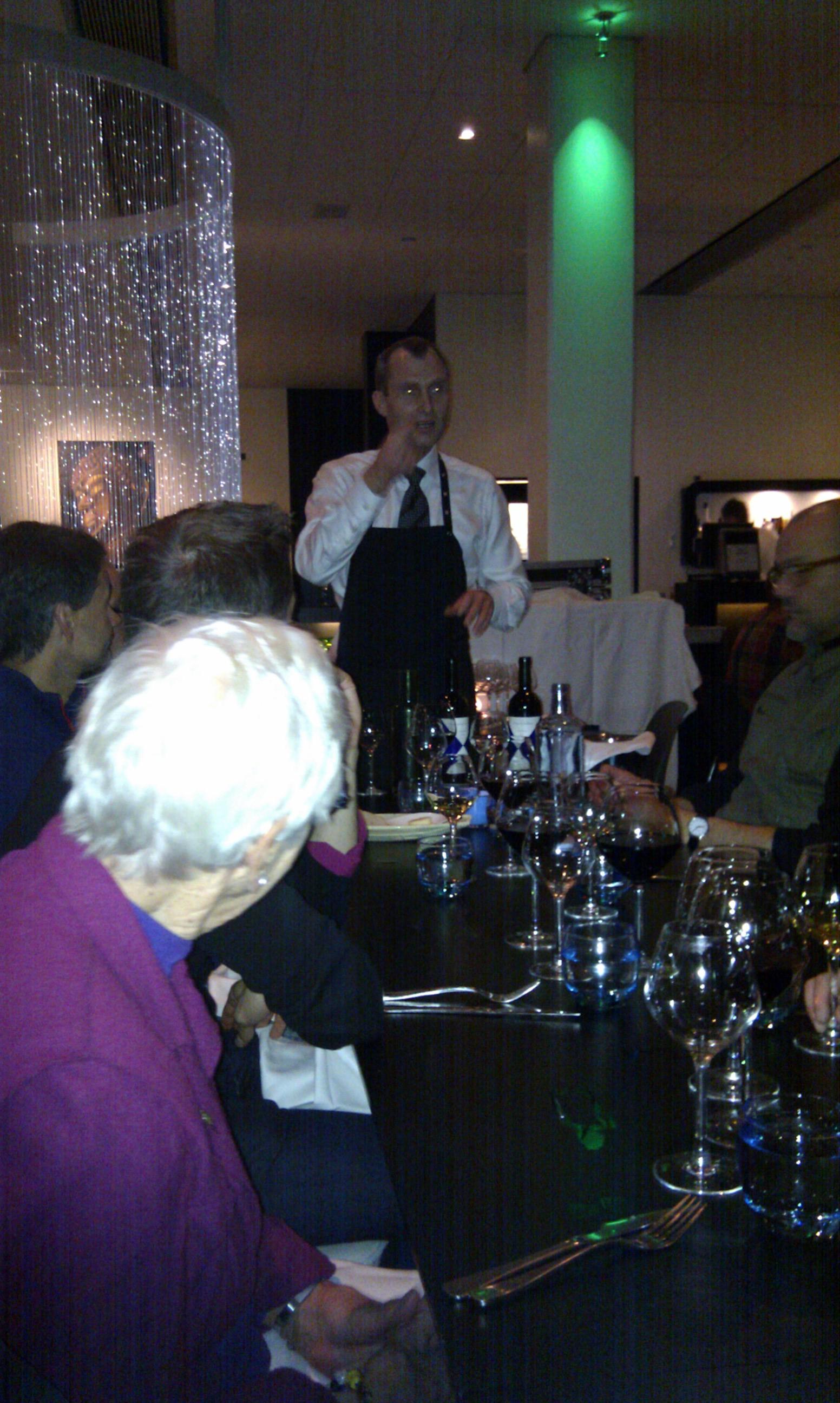 Lækker mad og vin på restaurant Fusion