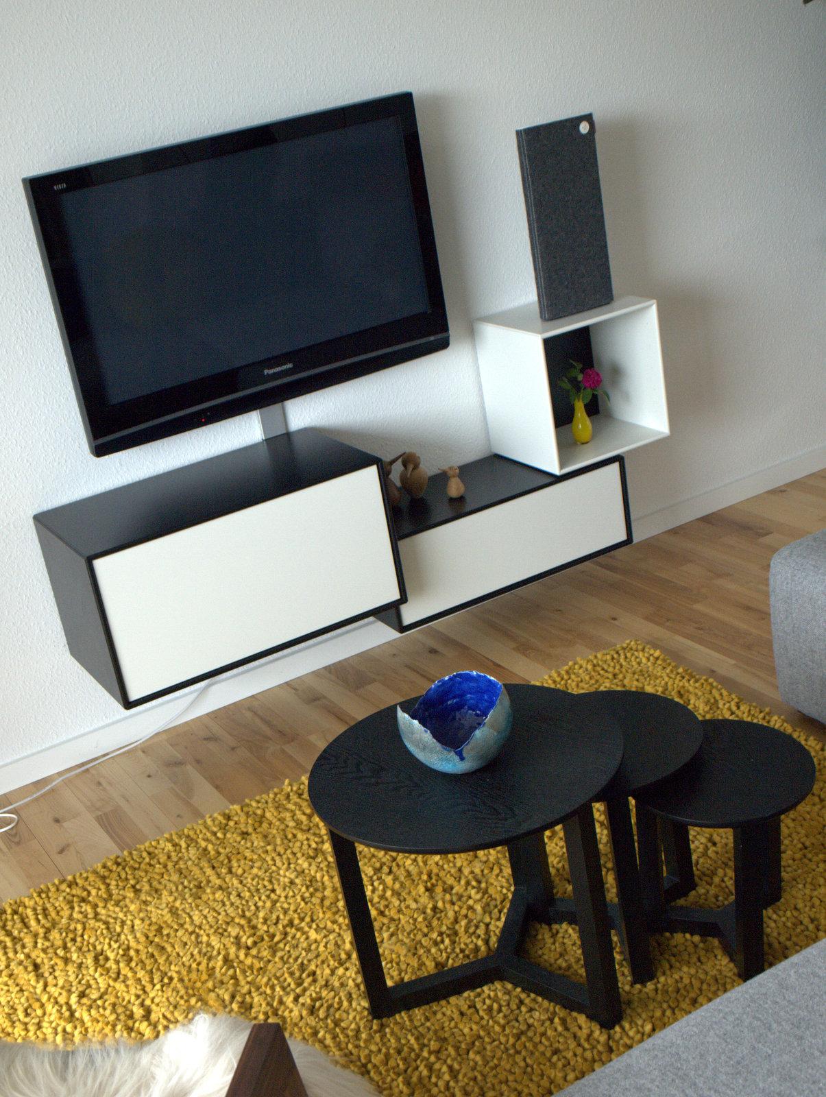 Tvmodul og tæppe